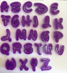 Fondant / Marcipán kiszúró betű  (műanyag,díszes) készlet